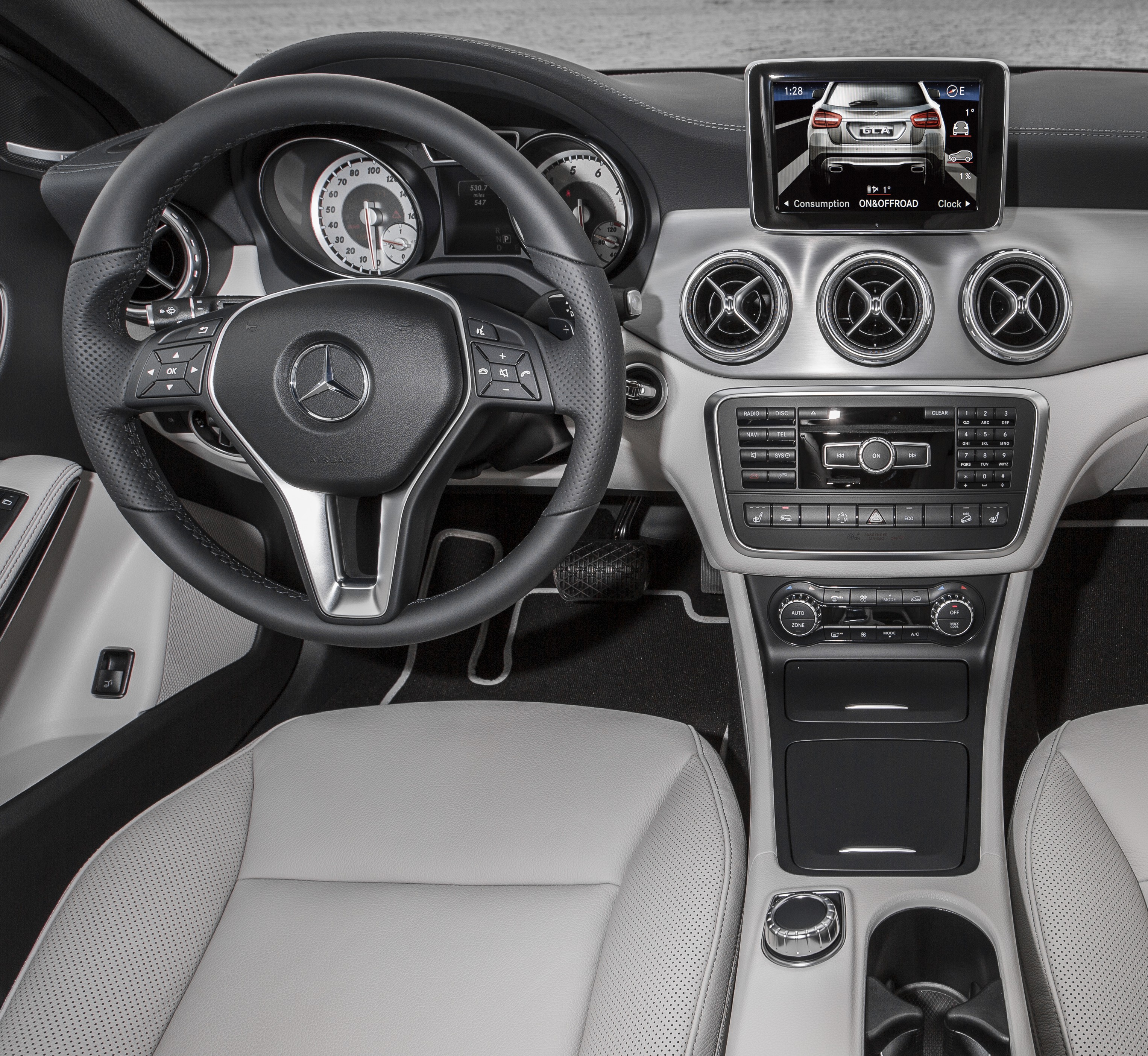 Mercedes-Benz GLA250 Interior
