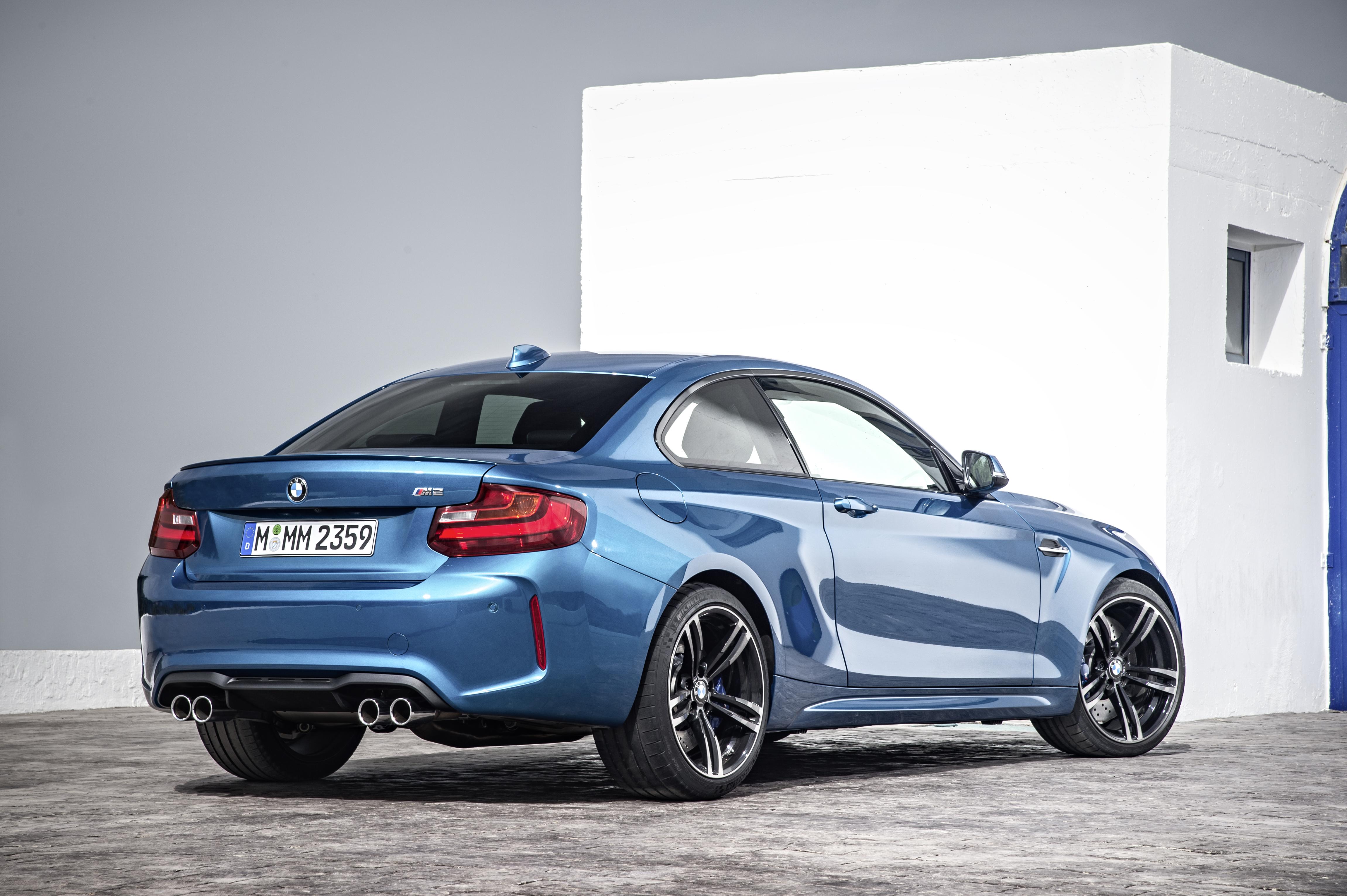 Seat Time: 2016 BMW M2 – One Trick Pony – John\'s Journal on Autoline