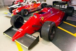 Ferrari_637_front-left_Museo_Ferrari