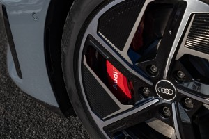 Audi CO2 program: sustainable aluminum for Audi e-tron GT wheels