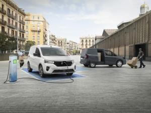 Townstar petrol & EV van (1)