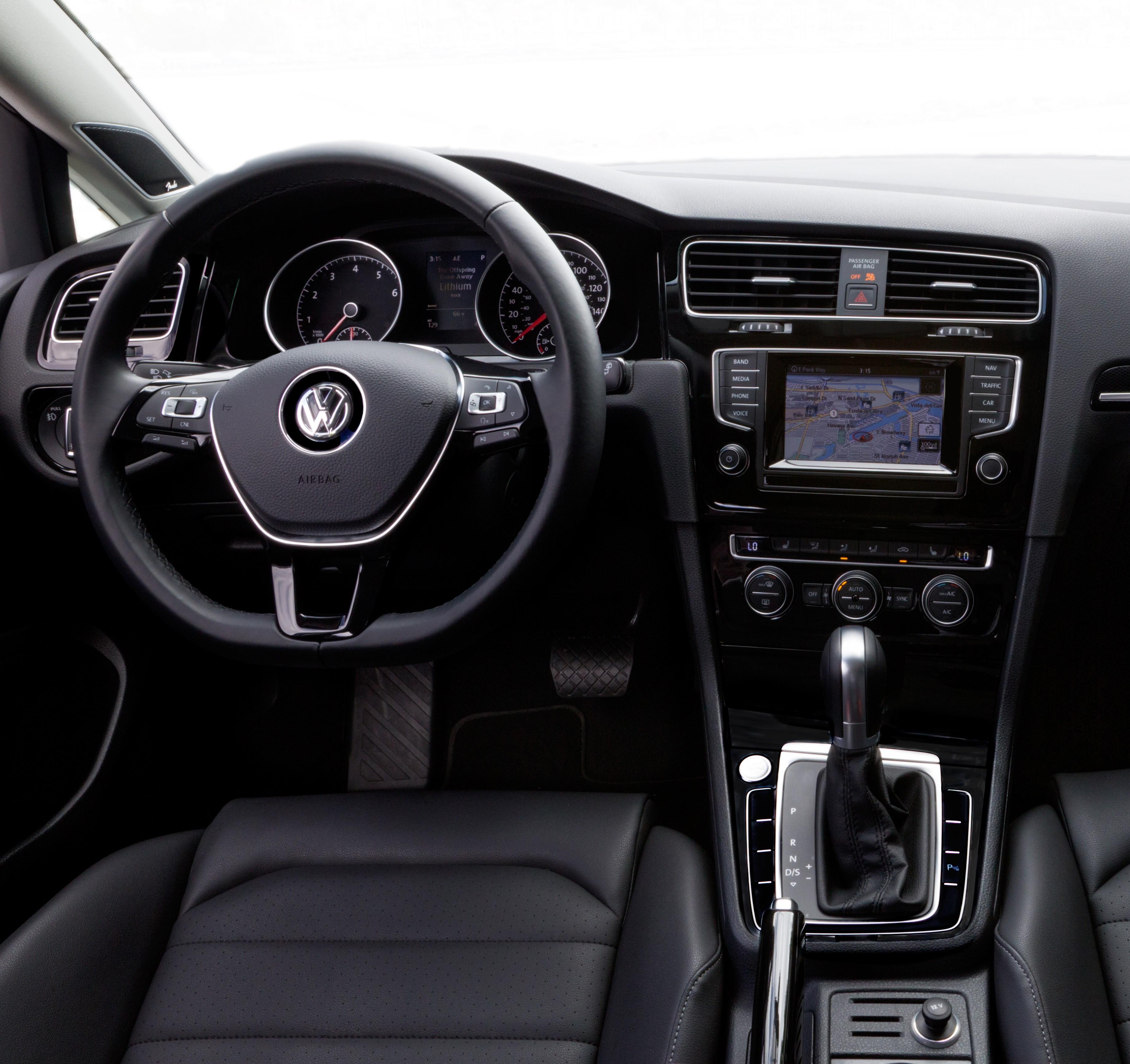 2015 Volkswagen Golf Sportwagen Suspension: Seat Time: 2015 Volkswagen Golf Sportwagen